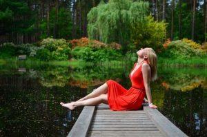 rotes_kleidpexels-photo-221342