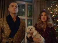 """Time For Change"":  Robbie Williams mit Ehefrau Ayda Field gemeinsam im Video"